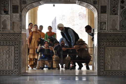 http://www.magazyntrendy.pl/images/India people in tample.jpg