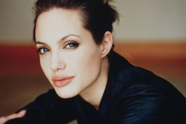 http://www.magazyntrendy.pl/images/angelina jolie trendy.jpg